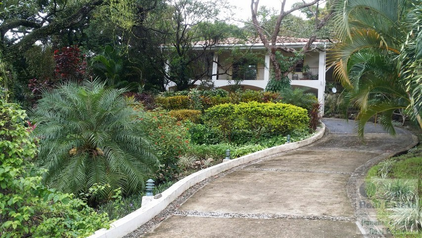 Ocean View Mountain House in Altos Del Maria for sale PANAMA