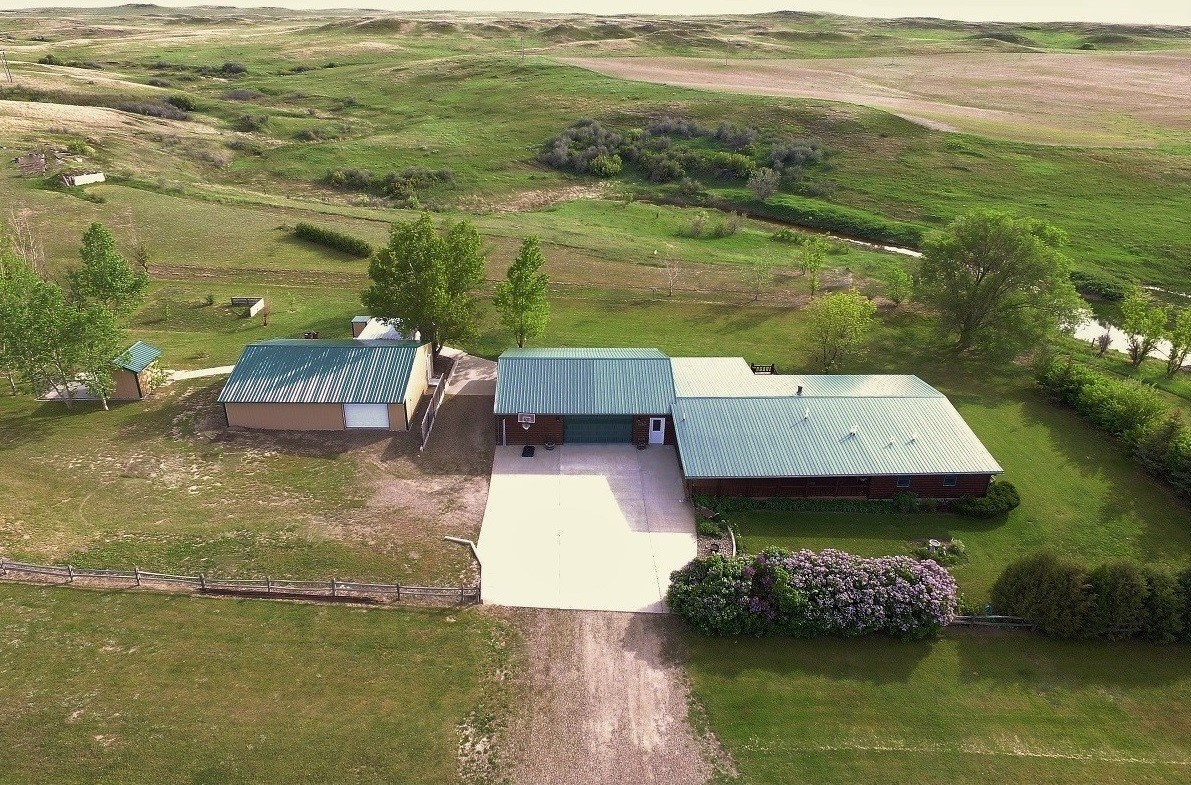Log Cabin home on 5 acres for sale Glendive, Montana