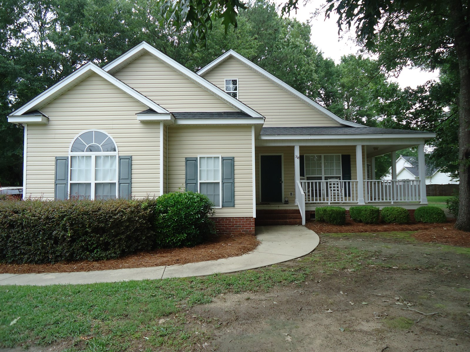 BEAUTIFUL THREE BEDROOM TWO BATH HOME FOR SALE IN CAMDEN, SC