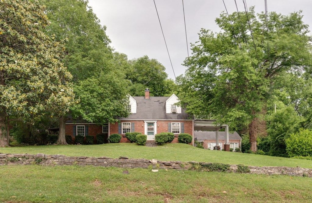 COLUMBIA, TN MAURY COUNTY BRICK HOME DETACHED 1 BR COTTAGE