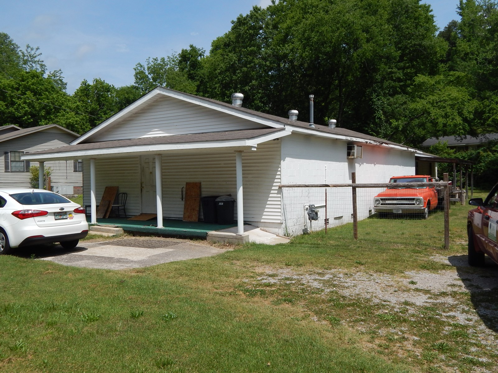 TN Income Producing Opportunity 1972 sq ft Building .4 Acre