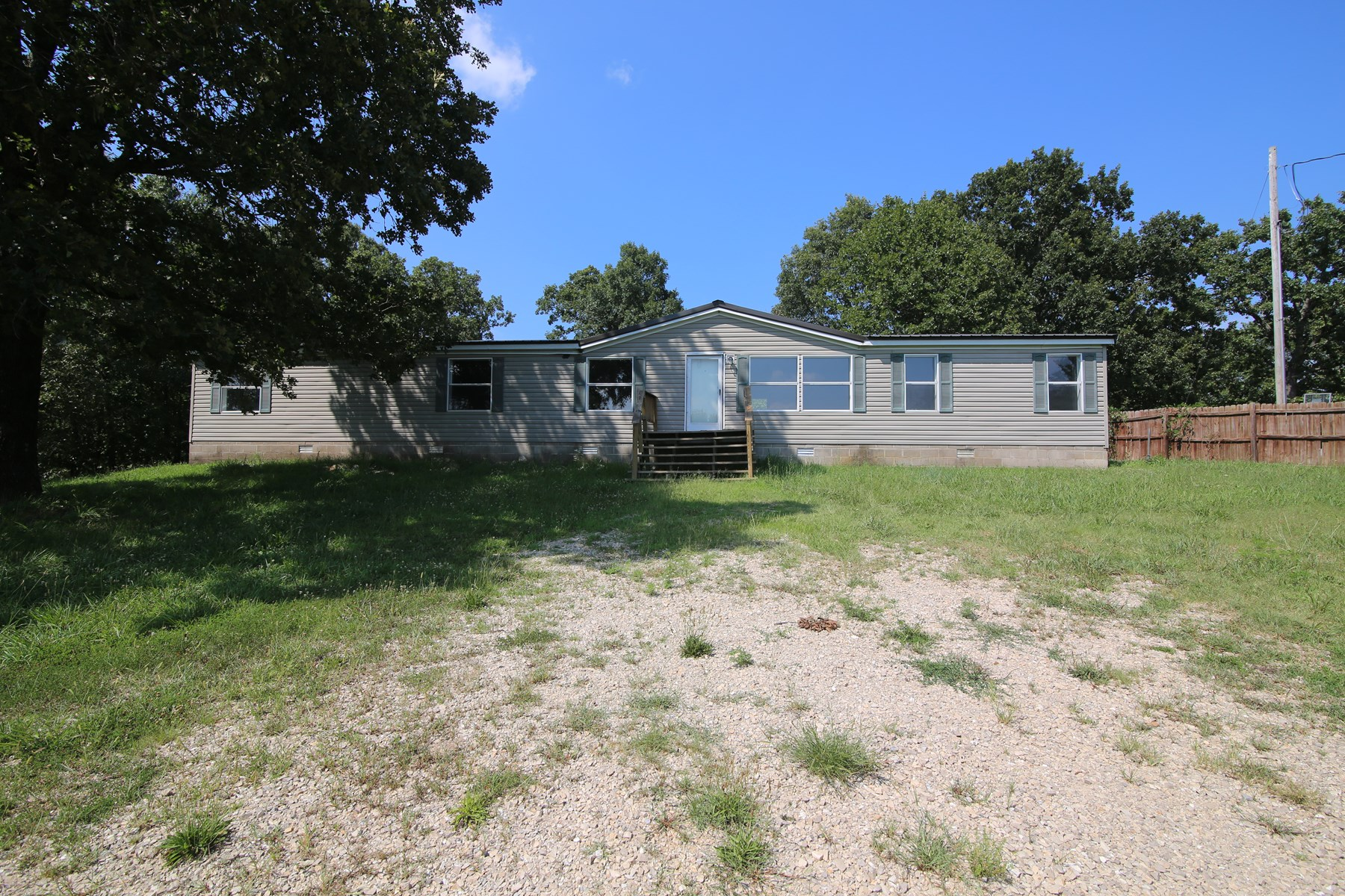 Country Home in Thayer School District For Sale