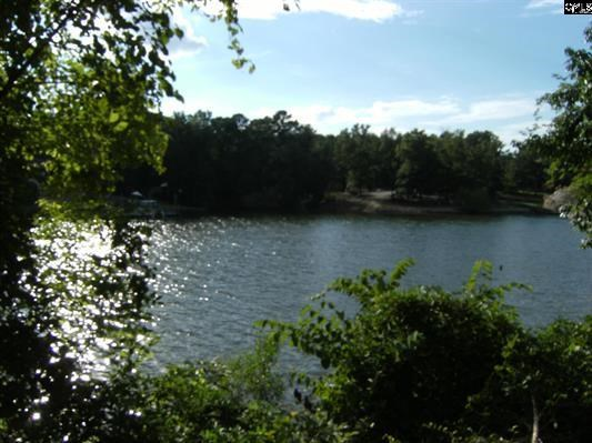 .85 Acre Lot For Sale on Lake Wateree in South Carolina