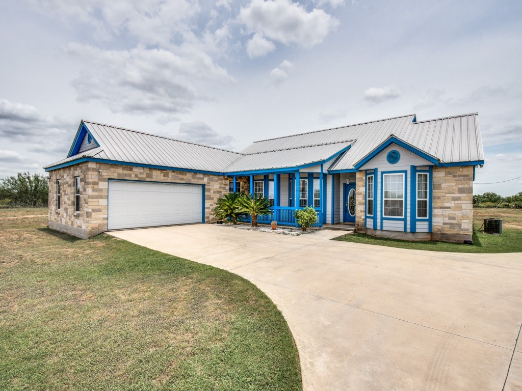 Custom Home on Hunting Property near San Antonio, TX