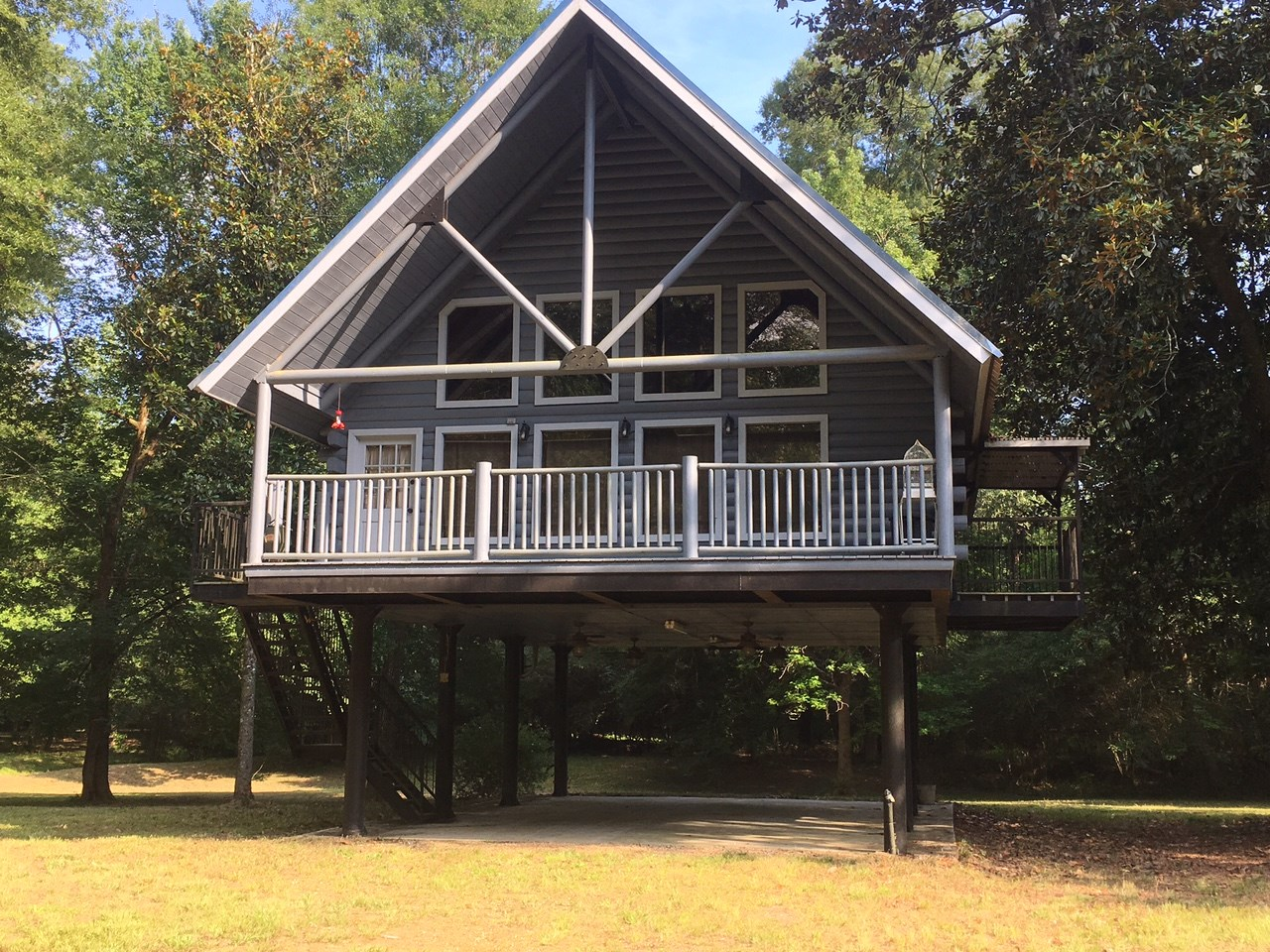 Camp with Acreage on Bogue Chitto River SW MS