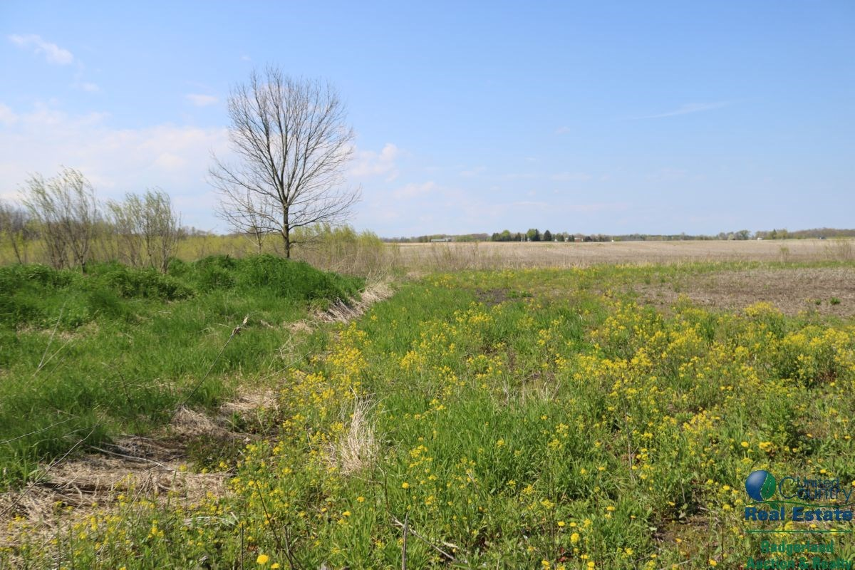 Lot with Acreage for Sale in Washington County
