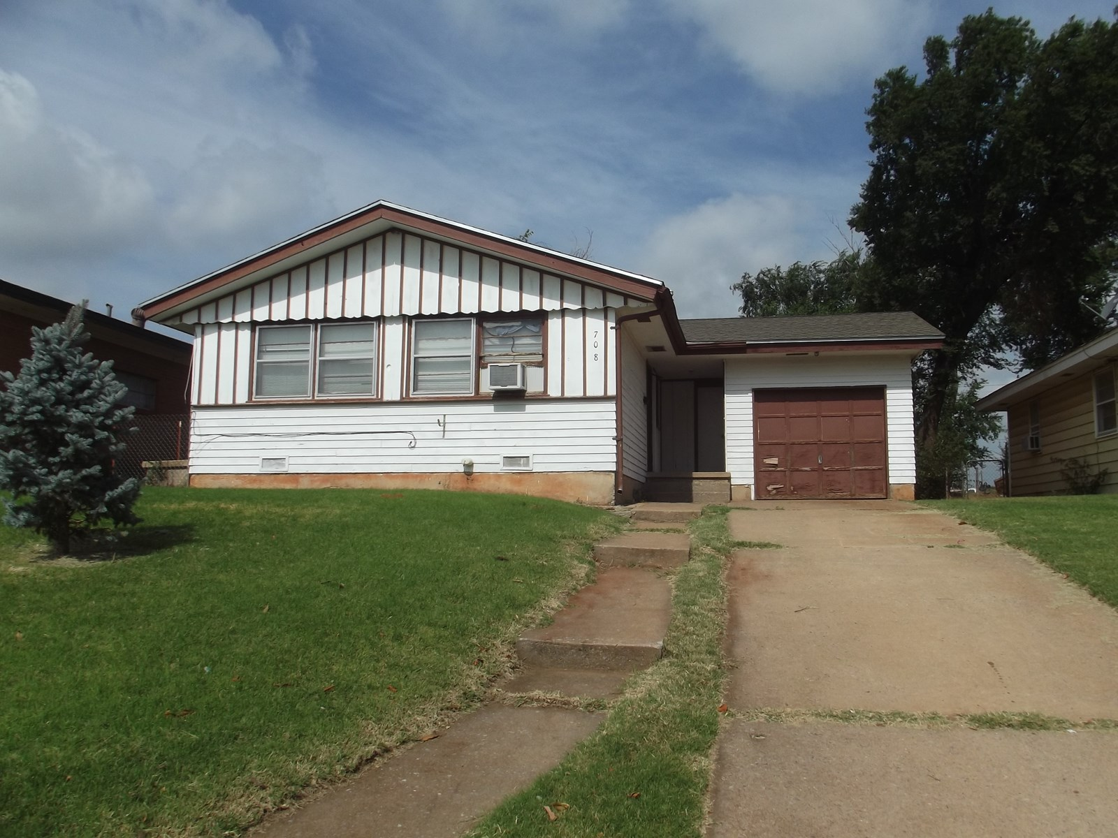 Clinton, OK Home for Sale - Custer County