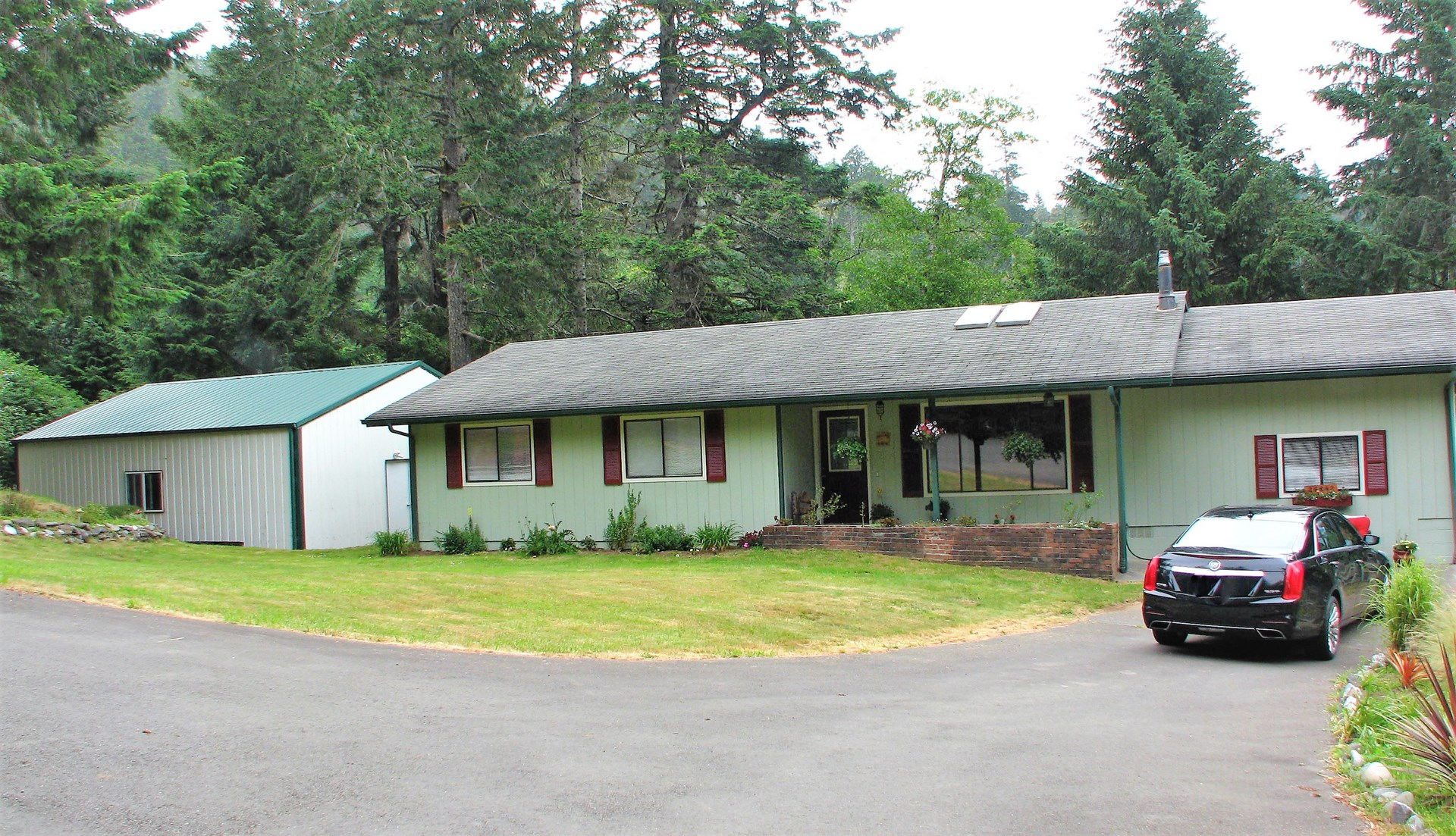Country home for sale in Gold Beach, OR