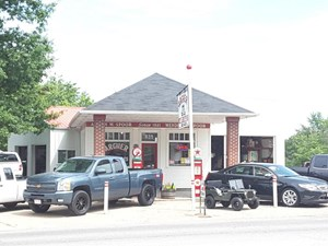 COMMERCIAL PROPERTY SITUATED WITH MAIN STREET FRONTAGE