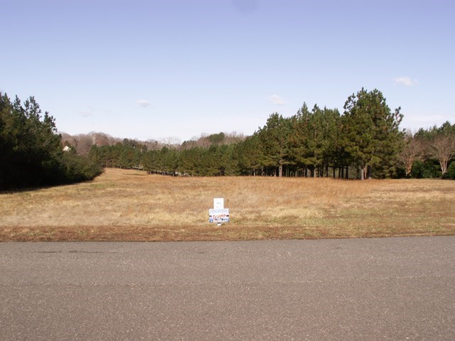 Corner Lot In The Cliffs At Prestwould, Clarksville, VA