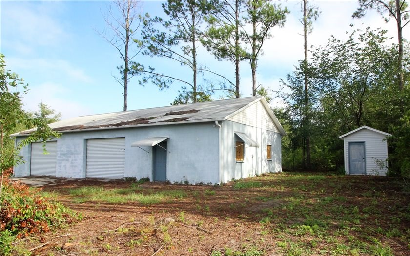 11 Fenced Acres with Large Shop in Live Oak, FL