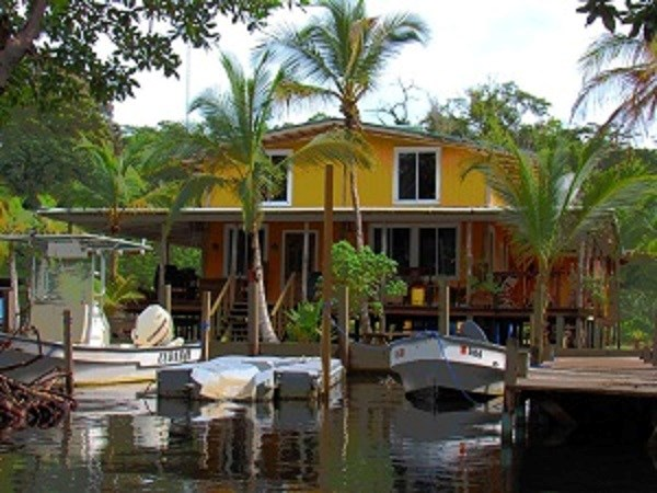 Oceanfront Bocas del Toro Home with dock in place