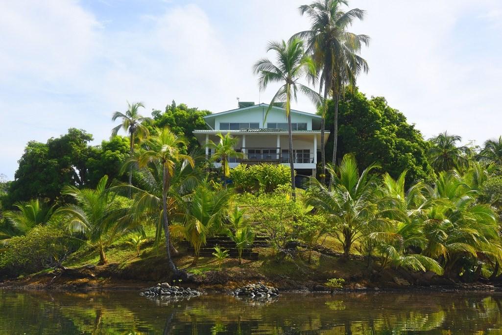 Stunning, Bocas del Toro, Coastal Oceanfront Home Panama