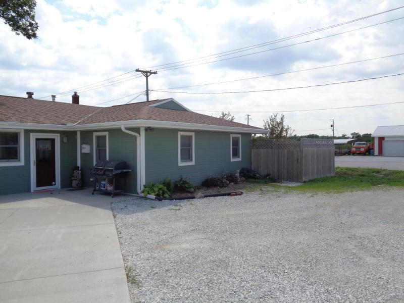 Commercial Property + RV storage+ 3 bed home and metal build