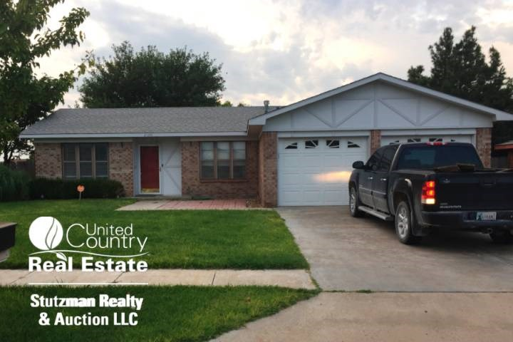HOME FOR SALE IN GUYMON, OKLAHOMA