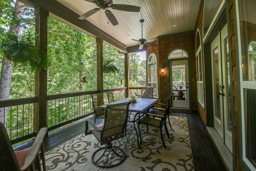 Private screened in porch.