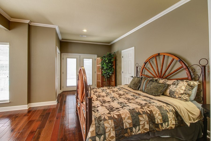Another spare bedroom.