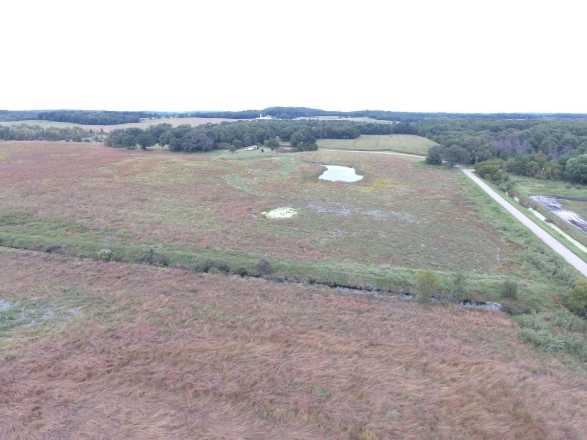 25+/- Acres Buildsite and Waterfowl Hunting Marquette County