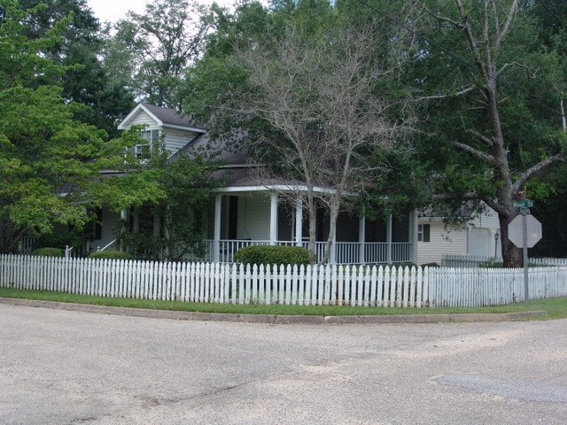 Historical home in Columbia, AL