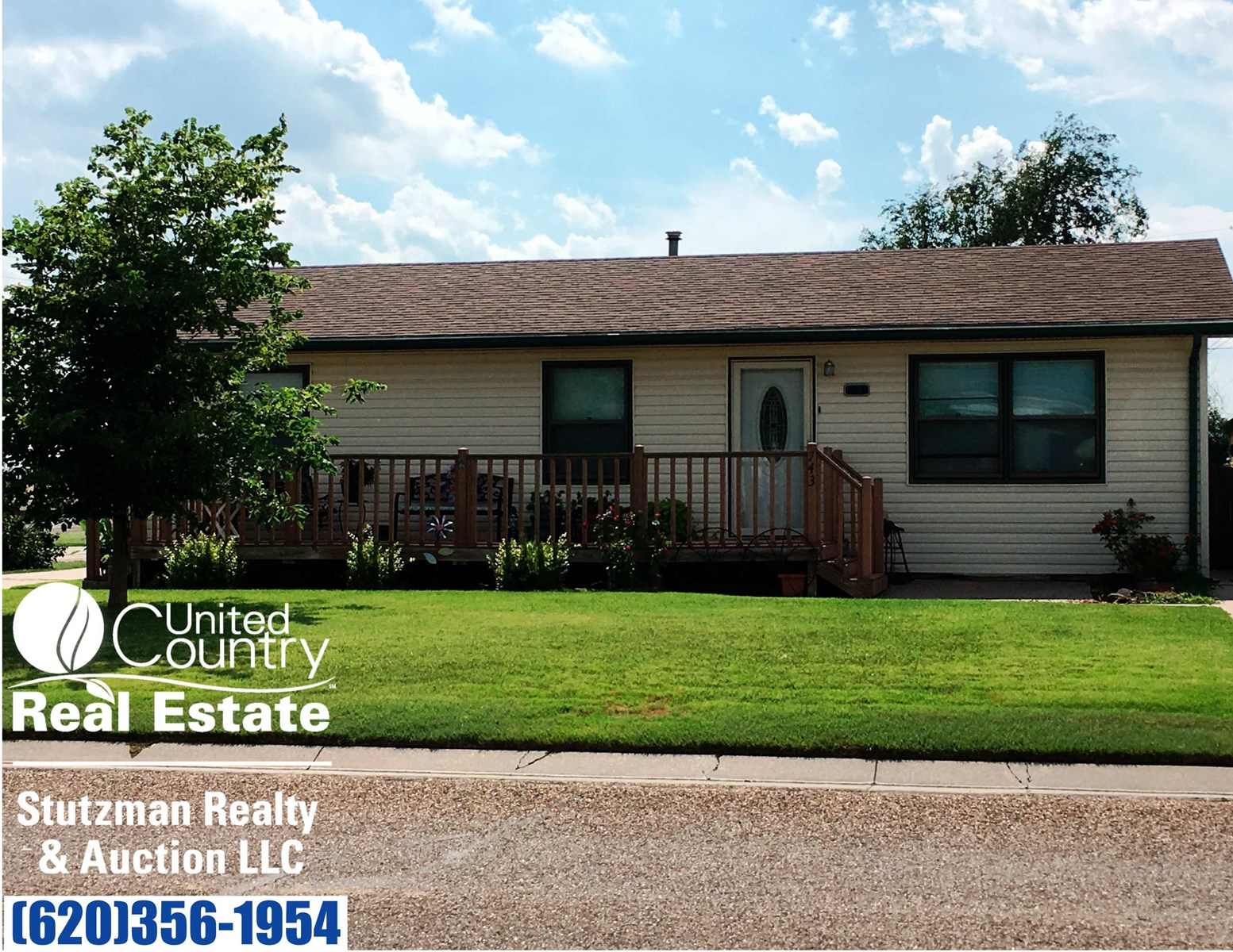 LARGE AND AFFORDABLE HOME FOR SALE IN ULYSSES, KS