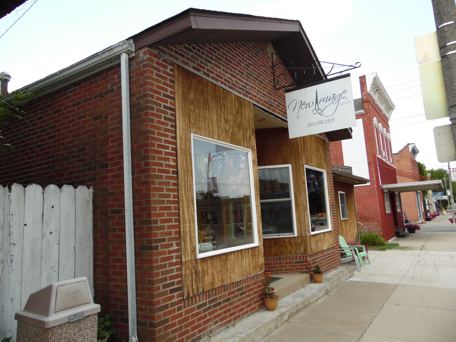 Commercial Building For Sale in Hanover, IL