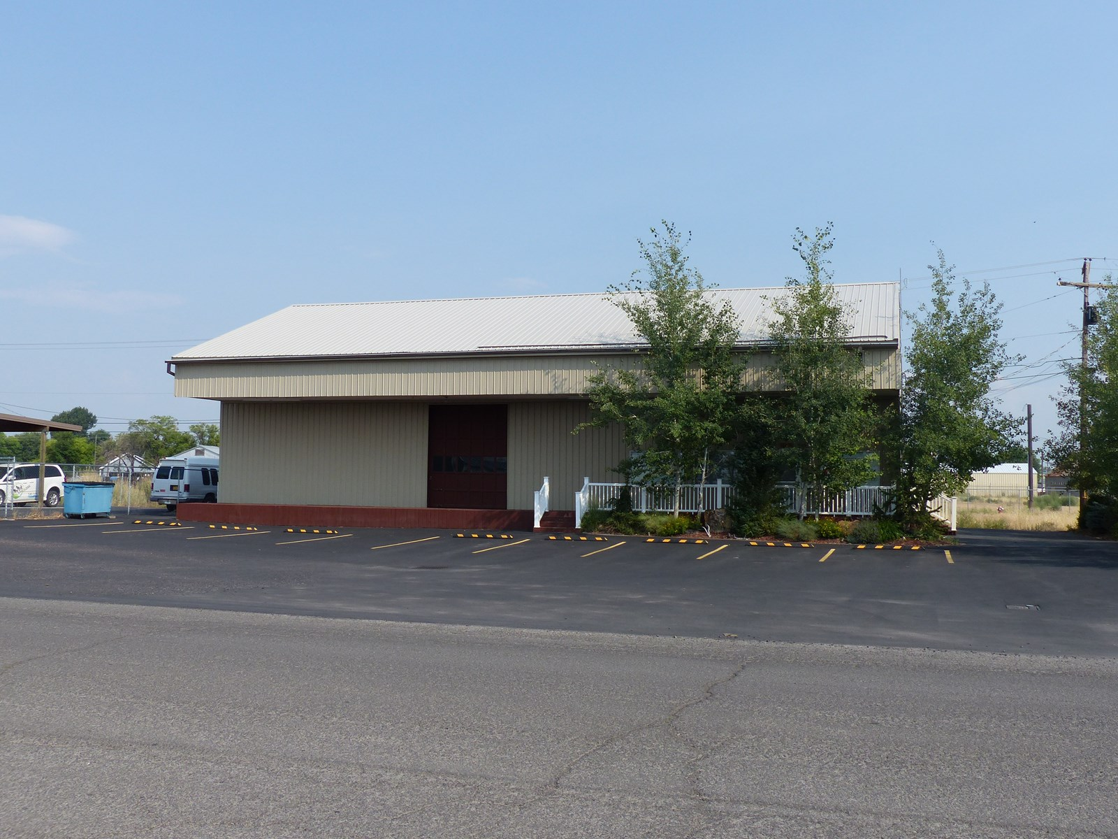 BURNS, OR - WAREHOUSE FOR SALE - MANY AMENITIES
