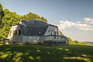 SECLUDED GEODESIC DOME IN THE BLUE RIDGE MOUNTAINS OF FLOYD