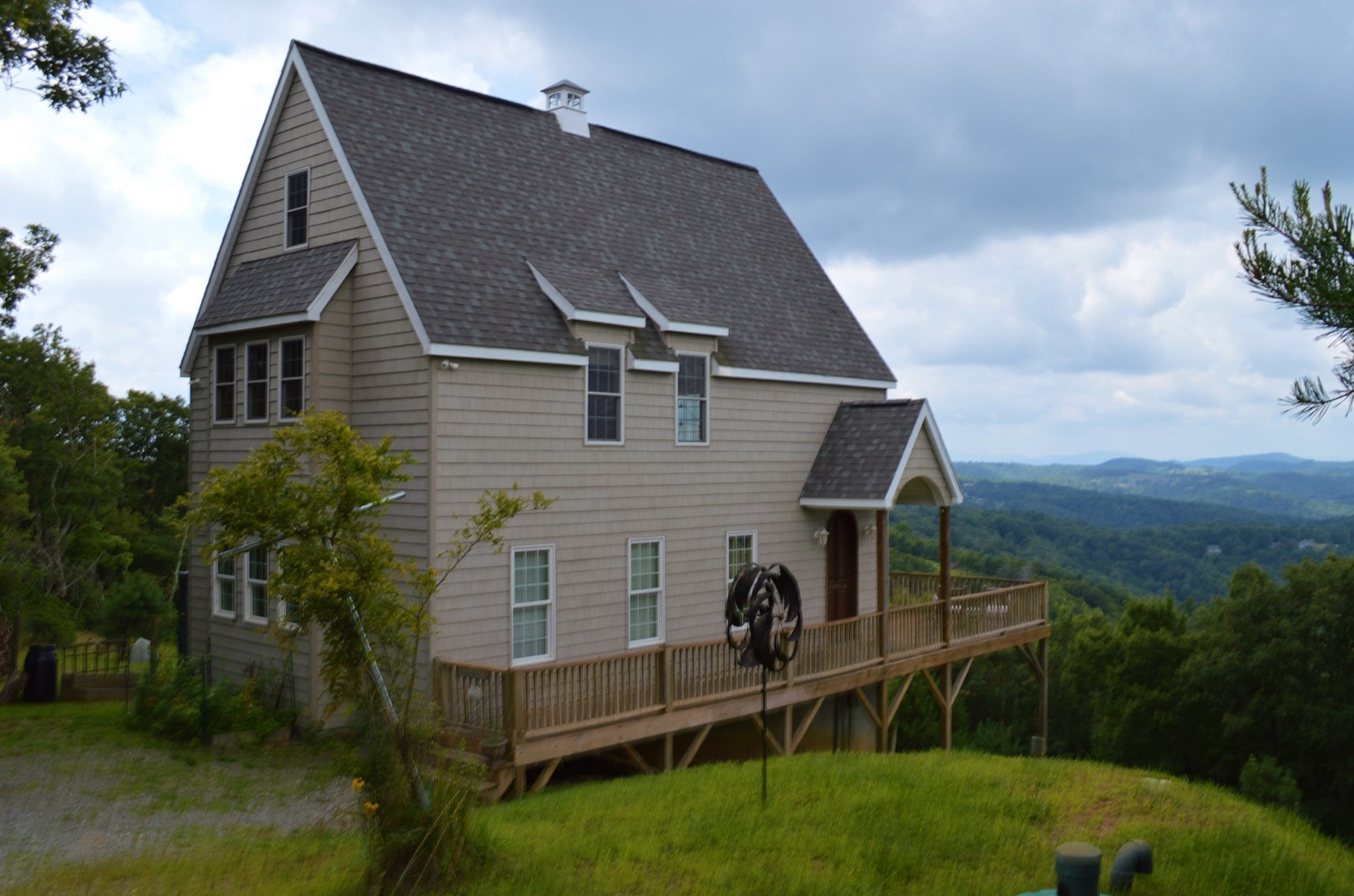 Live High on A Mountain at 3800' Elevation in Sparta,NC