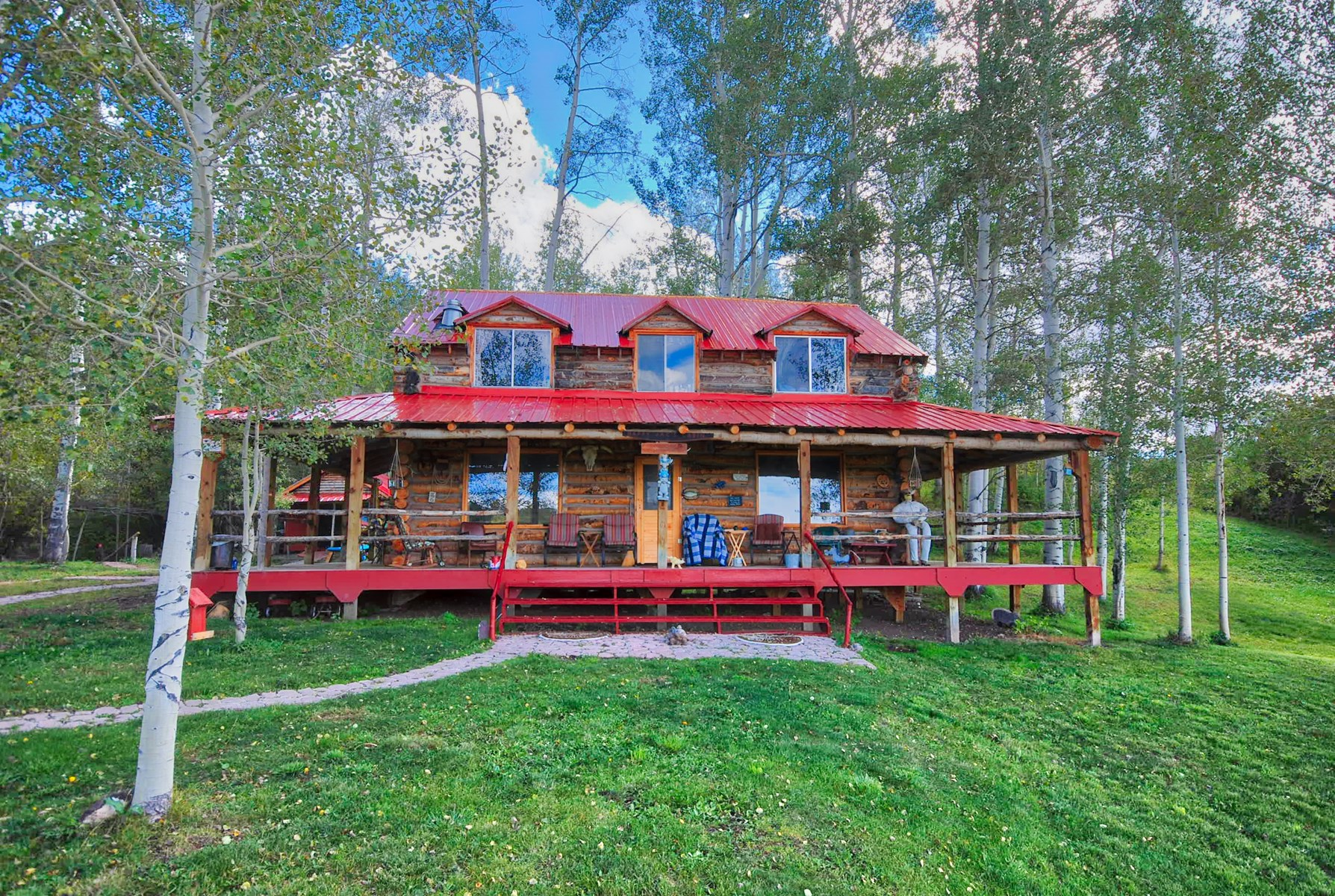 Lakefront Log cabin with Mountain property in Montrose CO