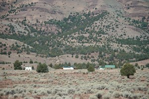 FIELDS, OR - ALVORD DESERT RETREAT PROPERTY WITH 2 HOMES