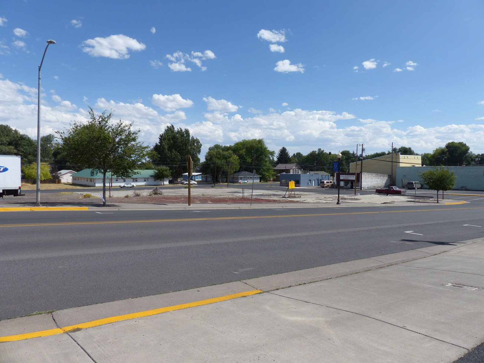 BURNS, OREGON - NICE COMMERCIAL LOT