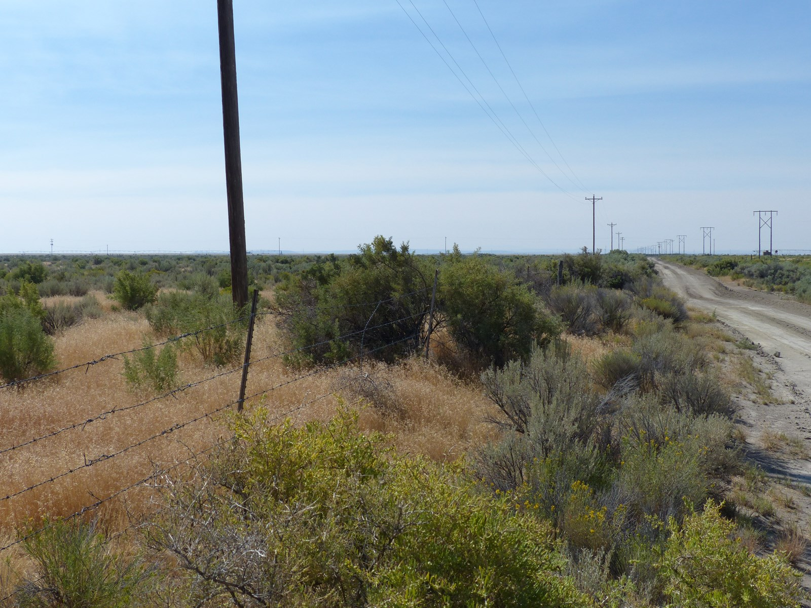BURNS, OR - 40 ACRES - FENCED - POWER BORDERS PROPERTY