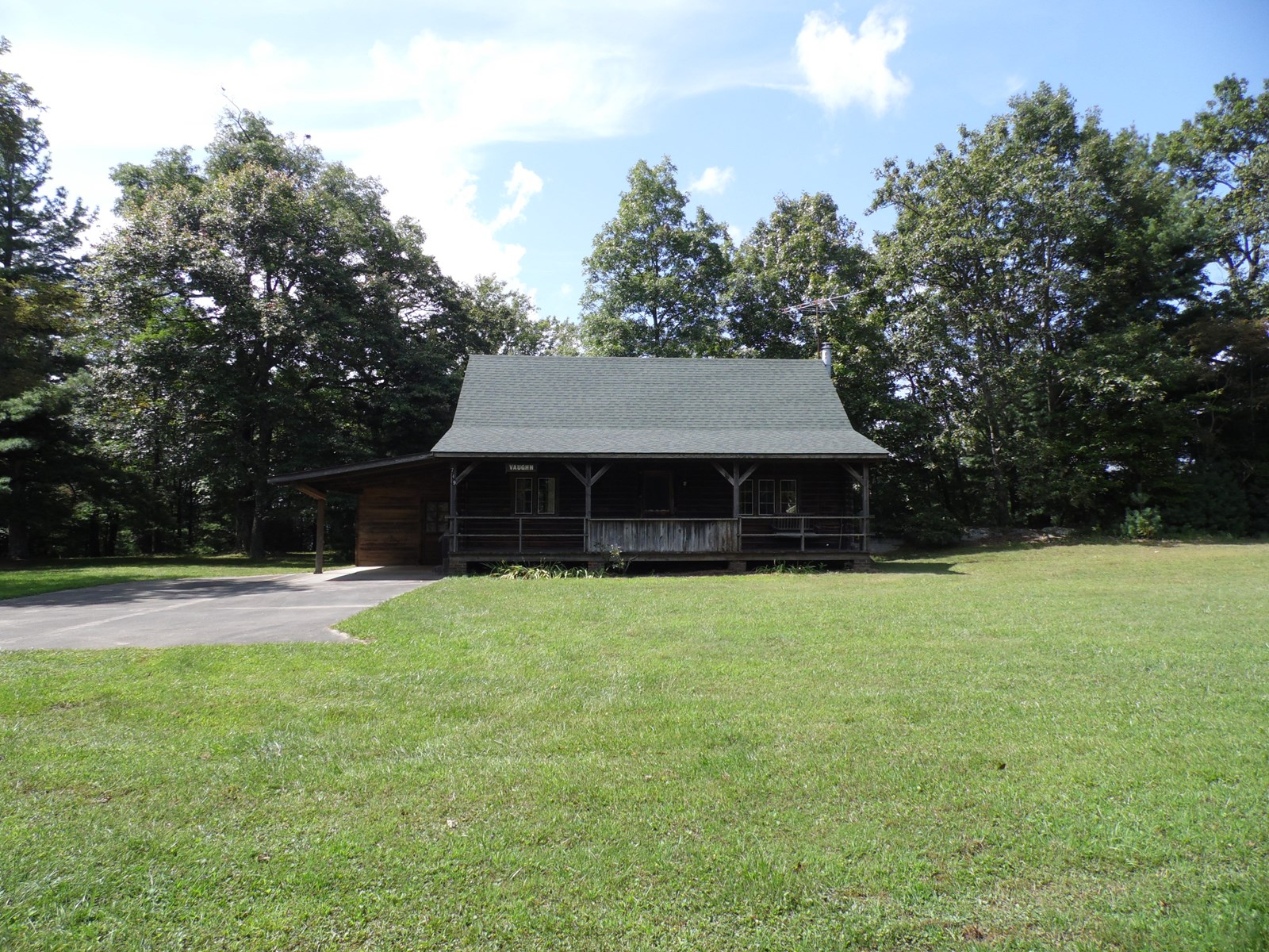 Remote Log Cabin near the Blue Ridge Parkway on 2+ Acres!