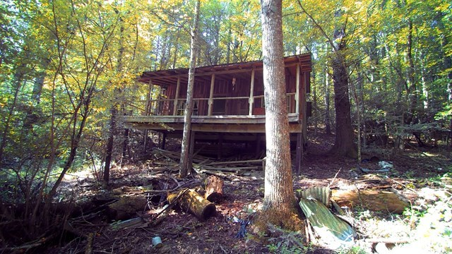 Secluded Mountain Hideaway For Sale in Virginia