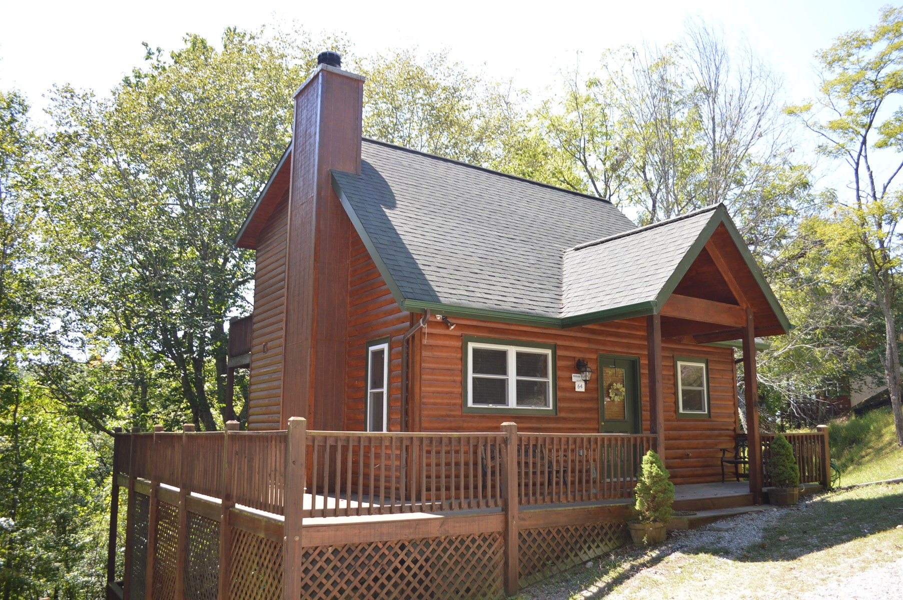 Nice Log Cabin in Gated Community In Piney Creek, NC