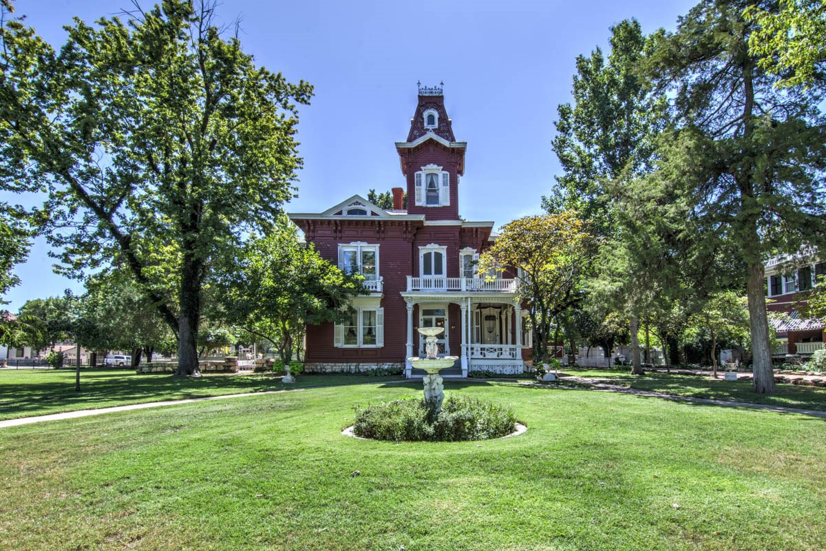 Historic Prescott / Foley Home in Salina, Kansas For Sale