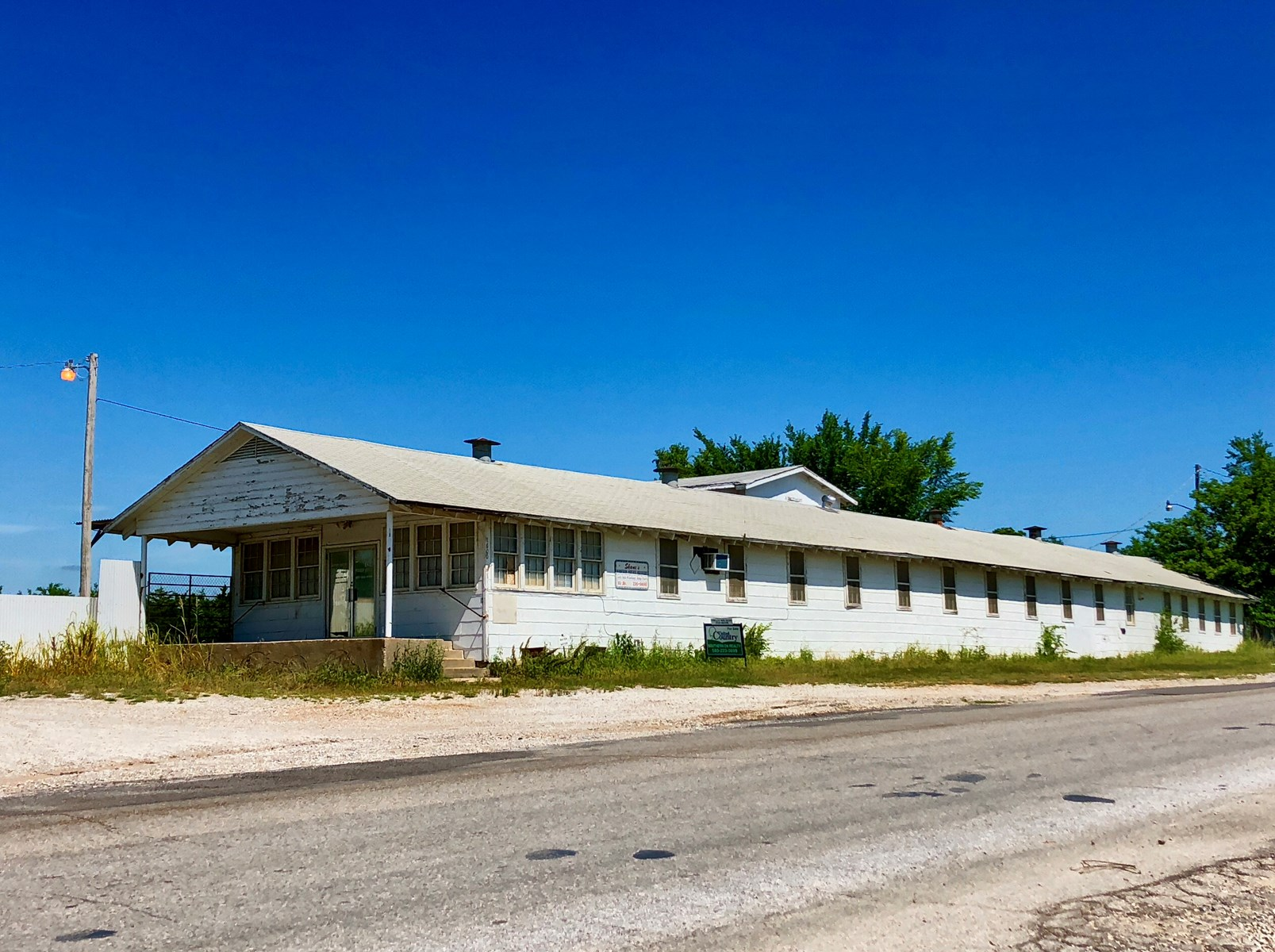 BUILDING ZONED LIGHT INDUSTRIAL FOR SALE IN ARDMORE, OK