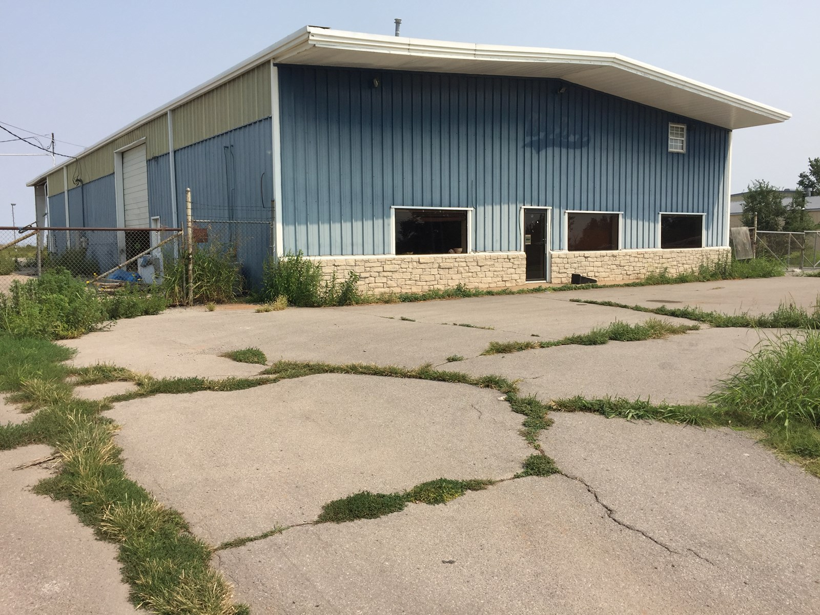 Commercial Building For Sale Clinton, OK