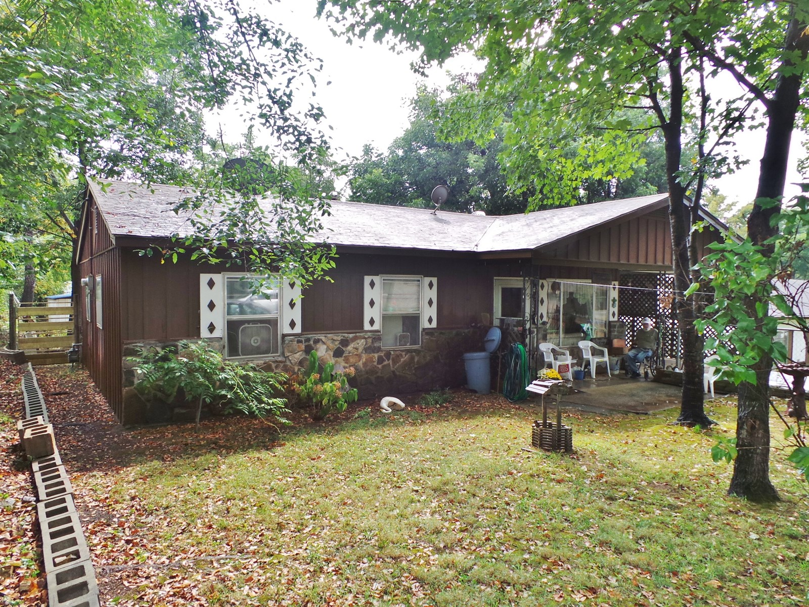 HOME IN THE TOWN OF FLIPPIN ARKANSAS FOR SALE