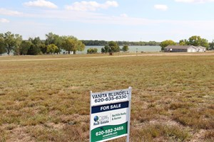 COLDWATER LAKE LOT FOR SALE 2001 RAWHIDE ROAD