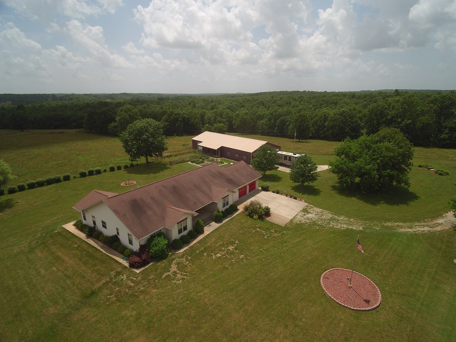 Cattle or horse farm for sale in south central Missouri