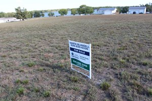 COLDWATER LAKE LOT FOR SALE 2002 WINCHESTER WAY