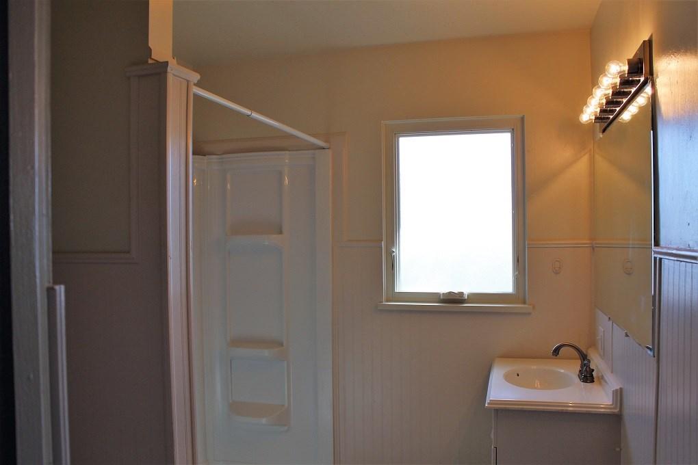 Apt #1 Bathroom