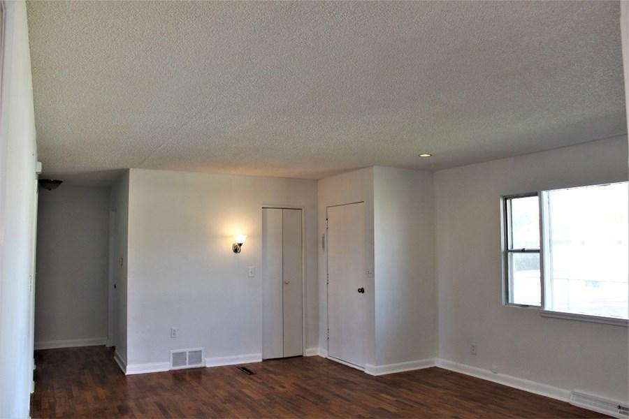 Apt #1 Livingroom