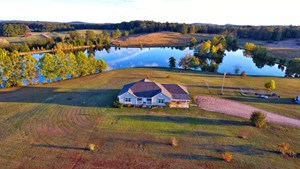 PRIVATE 10 AC. LAKE FOR SALE IN DECATUR CO. TN, CUSTOM HOME