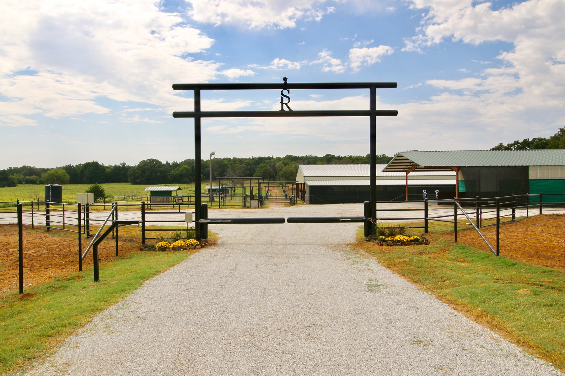 HORSE TRAINING FACILITY FOR SALE GAINESVILLE TEXAS