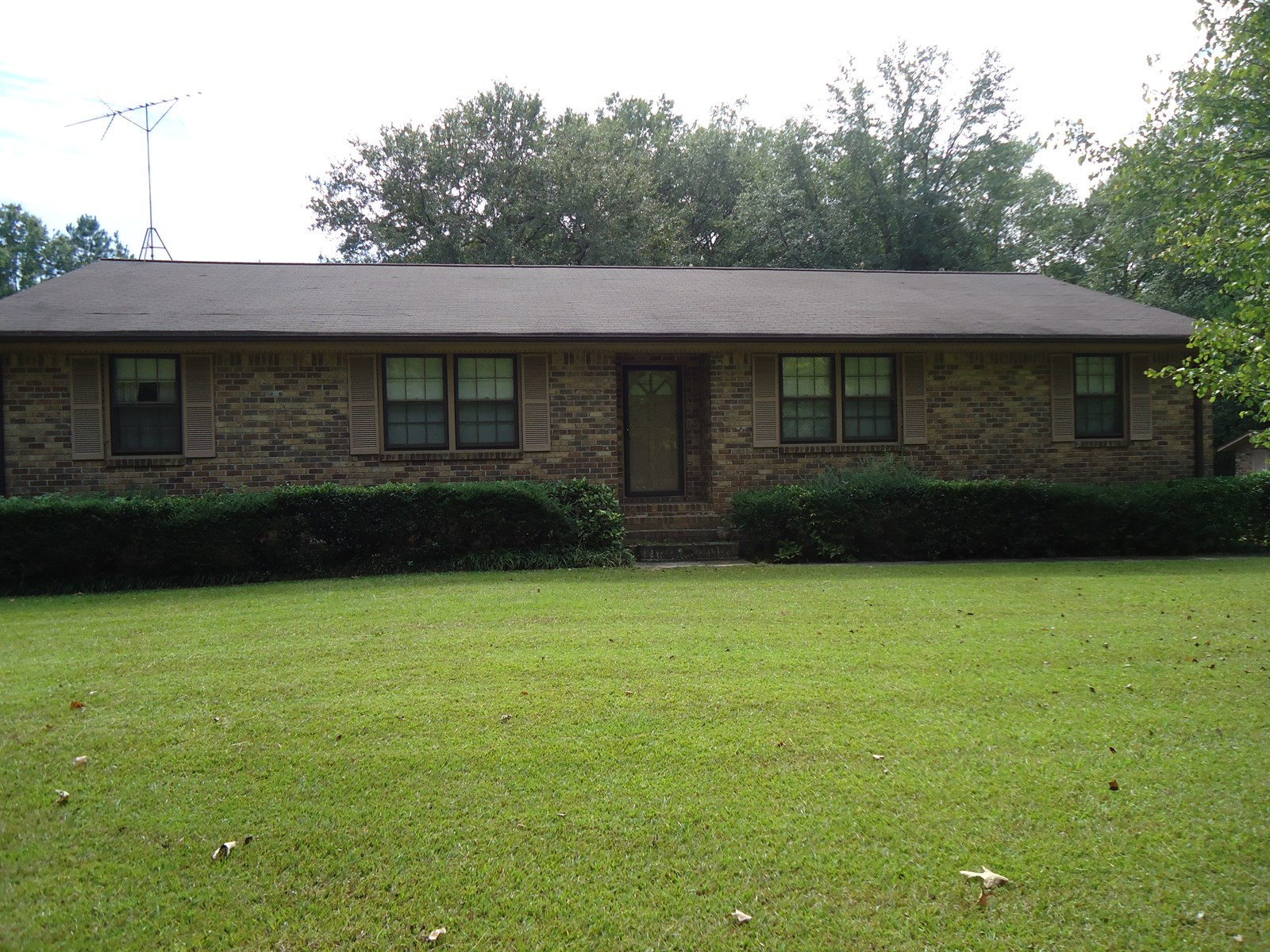 BRICK COUNTRY HOME AND ACREAGE