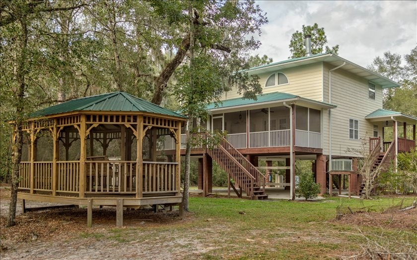 Beautiful Stilt Home on Suwannee River
