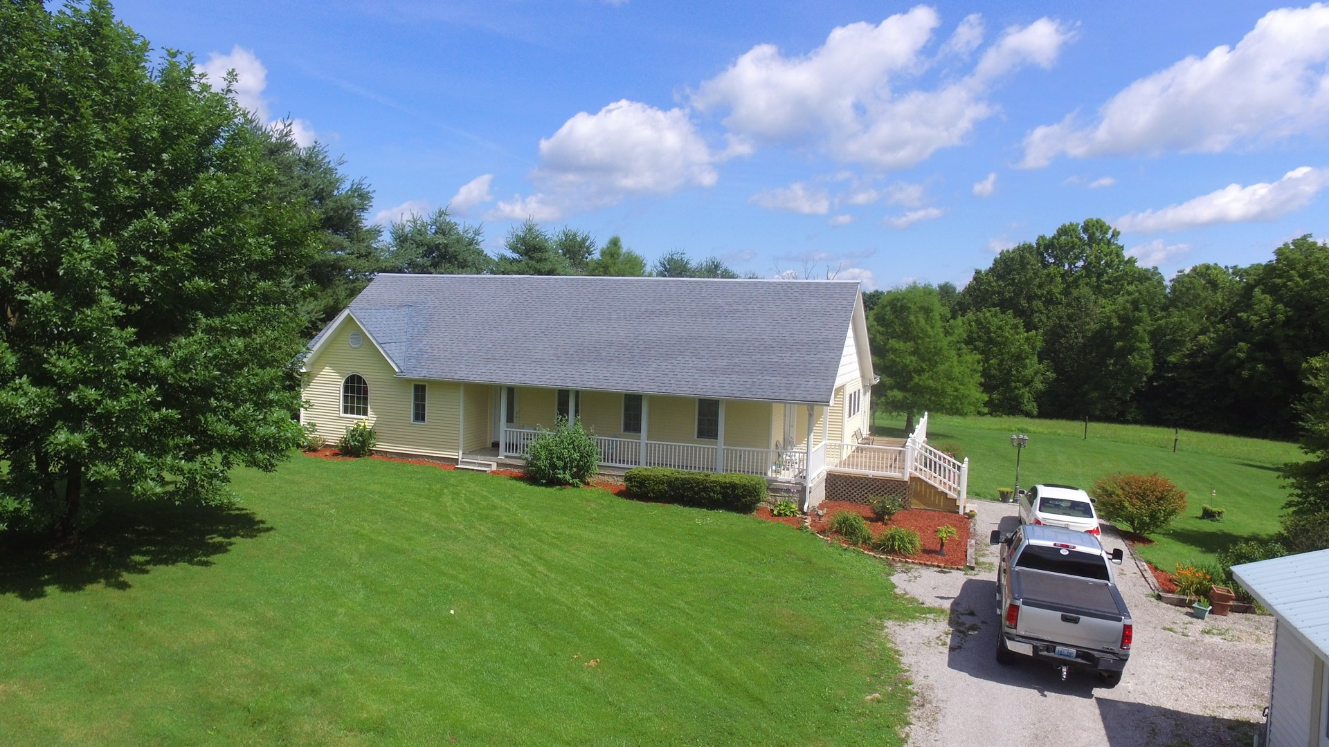 3 BED 2.5 BATH HOME ON 3 ACRES IN SOUTH-CENTRAL KENTUCKY