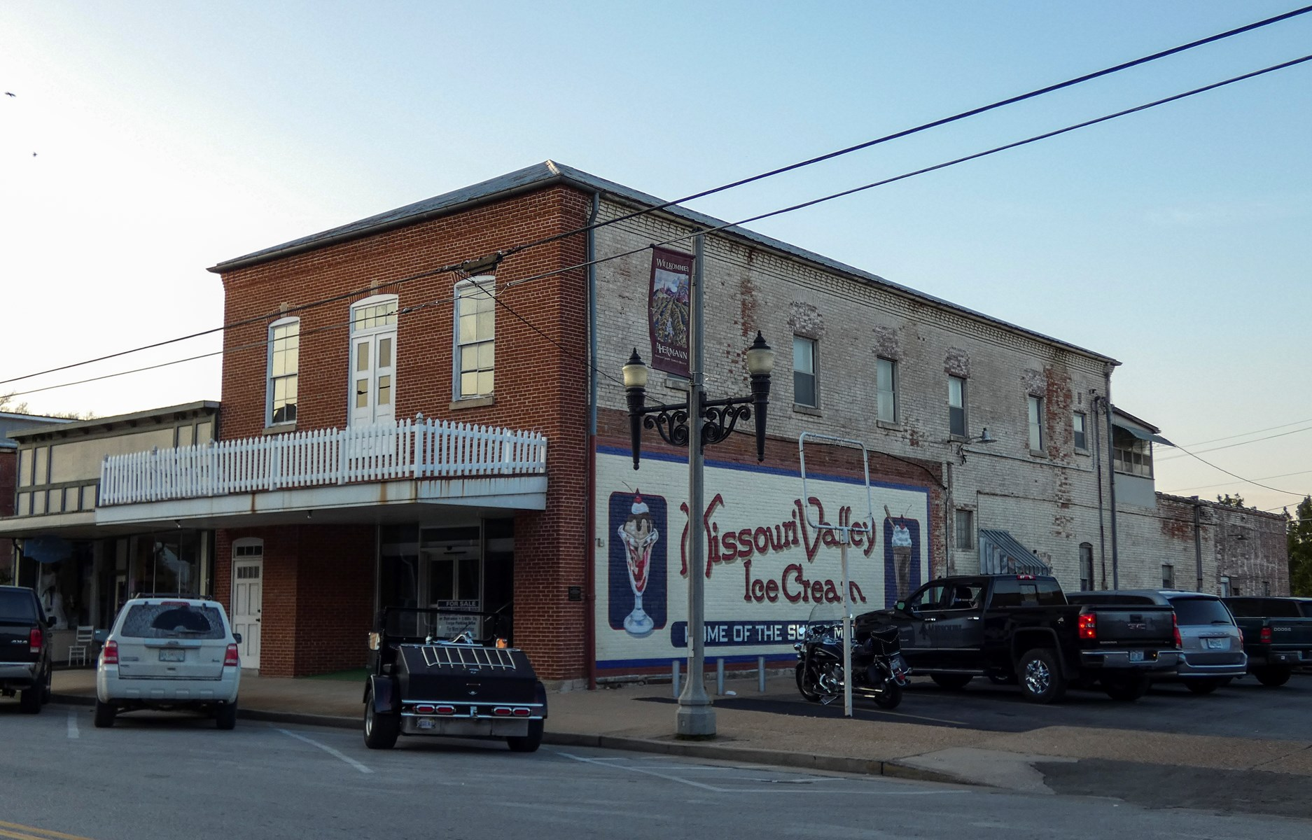 Historic Commercial Building & Apartment for sale in Hermann